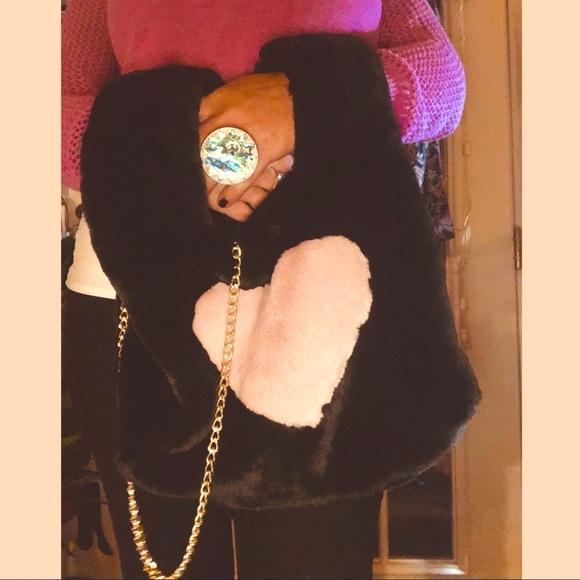 🔥HP🔥Faux Fur Arm Warmer Heart Bag